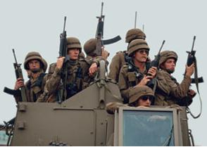 Soldados de la SADF en patrulla en 1994