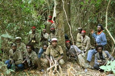 Guerrilleros del FLEC en Miconje, Cabinda, en 2009. Foto tomada del blog HavanaLuanda