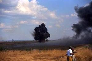 Explosión controlada de una mina en Huambo, por la Misión de Verificación de Angola de las Naciones Unidas